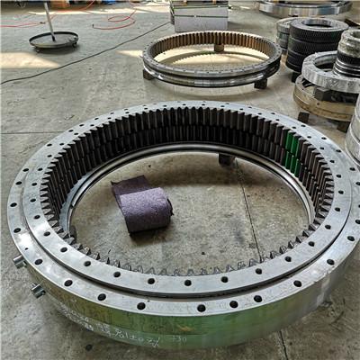 PC1250 Komatsu excavator swing bearing slewing ring bearing