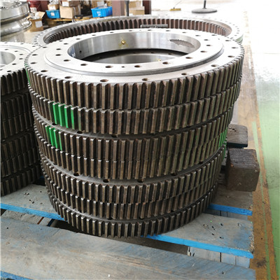 L9-46E9Z Slewing Ring Bearing(51.04*39.57*3.54inch) with External Gears for Aerial Lifts