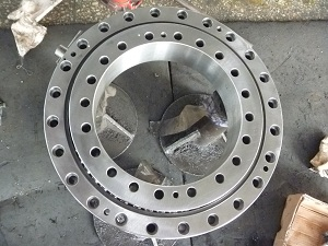 RKS.060.20.0544 Four Point Contact Slewing Bearing Without Gear Teeth 616*472*56mm