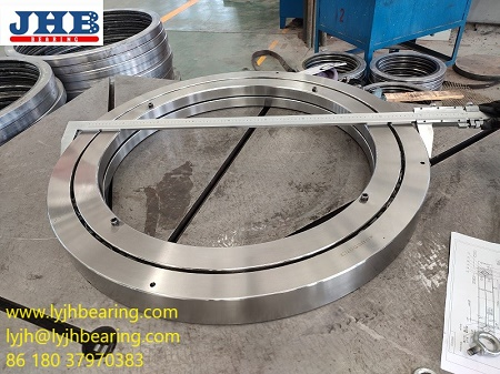 Crossed roller bearing XR855053 685.8x914.4x79.375mm for Vertical and horizontal boring machines