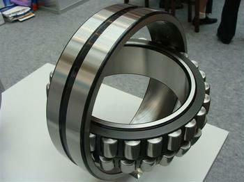24196 CA/W33 Spherical roller bearing