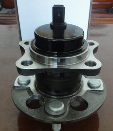 3dacf026f-24 Wheel Hub Unit